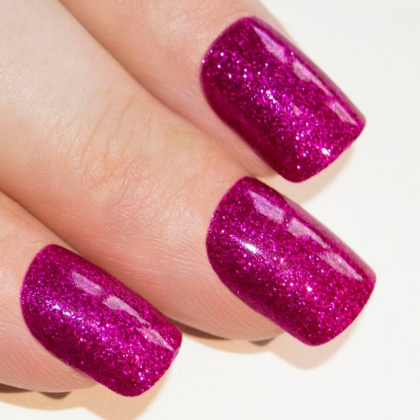 £100/day + 50% comm for Nail tech in London
